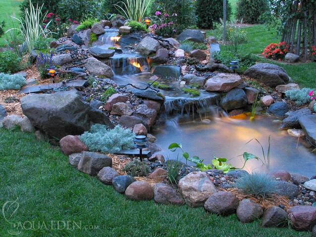 Pond pictures waterfalls backyard koi pond3 for Pond yard design