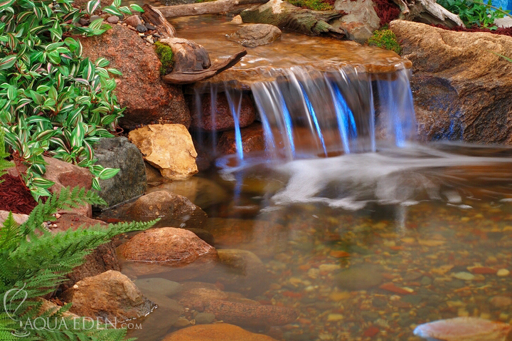 Pond pictures waterfalls pond waterfall for Pond waterfall