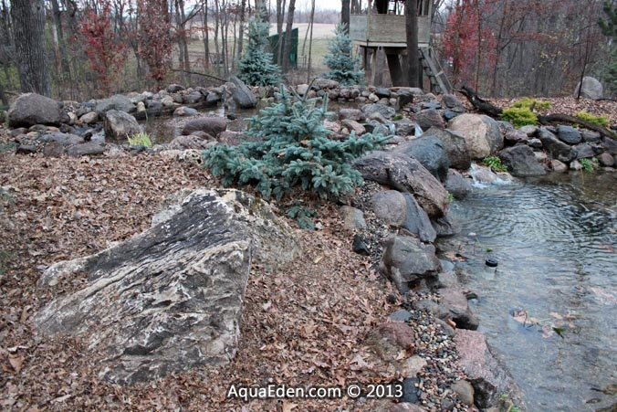 boulder-pond-natural-leaf-mulch