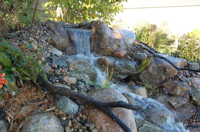 plymouth-minnesota-waterfall